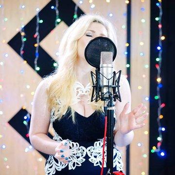 Rebecca Rhosyn's profile picture