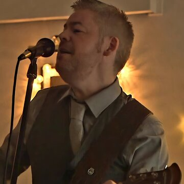 Wedding Singer Guitarist & DJ's profile picture