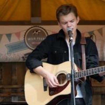 Sam Easton's profile picture