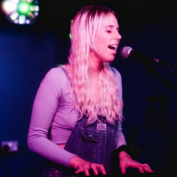 Daisy Wardle's profile picture