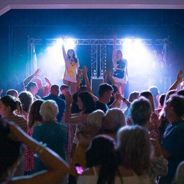Kiss the Teacher ABBA Tribute's profile picture