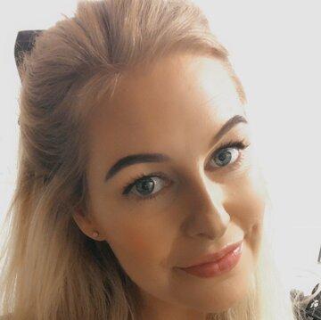 Busker Ella's profile picture