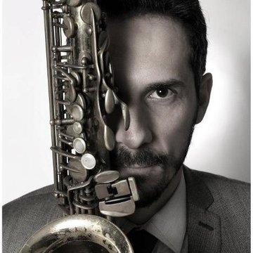Carlo Saxophonist & DJ's profile picture