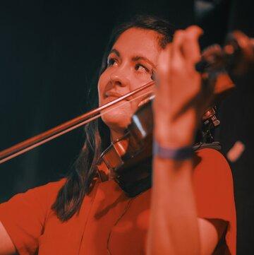 Chloe Hayward - Violinist's profile picture