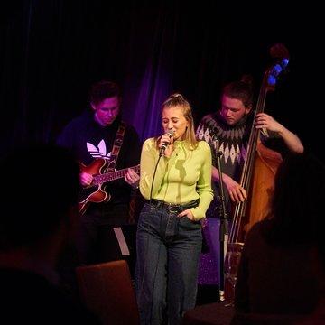 Rowan Flack Duo/Trio's profile picture