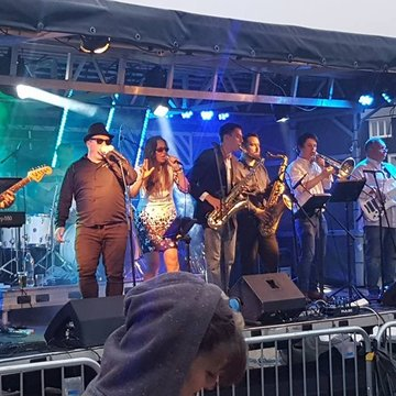 Loose Change Showband's profile picture