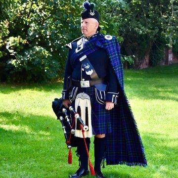 The Derbyshire Piper - Bagpiper's profile picture