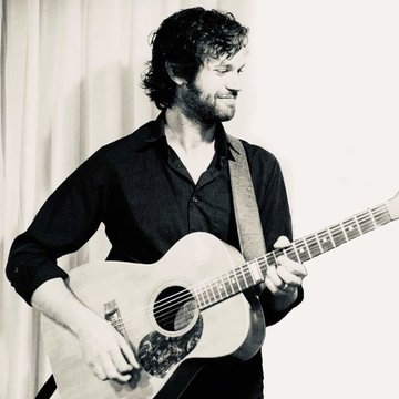 Ross McWhirter Acoustic's profile picture