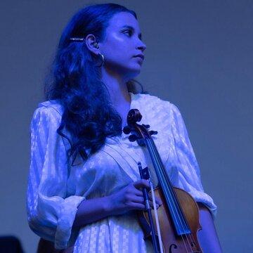 Julia - Professional violinist 's profile picture