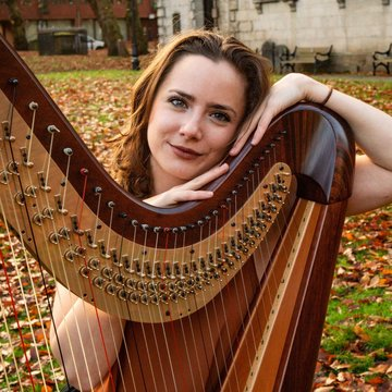 Emily Hopper Harpist's profile picture