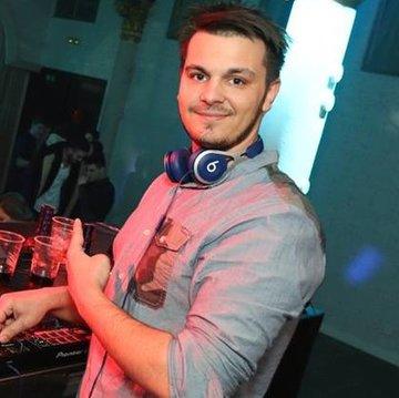 DJ Giles's profile picture