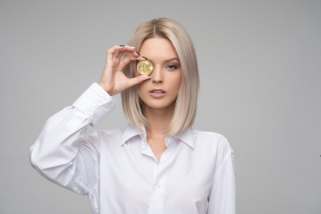 Why are So Few Women Buying into Bitcoin?