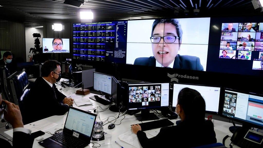 Relator abre possibilidade de contratação de térmica no Rio pela MP da Eletrobras