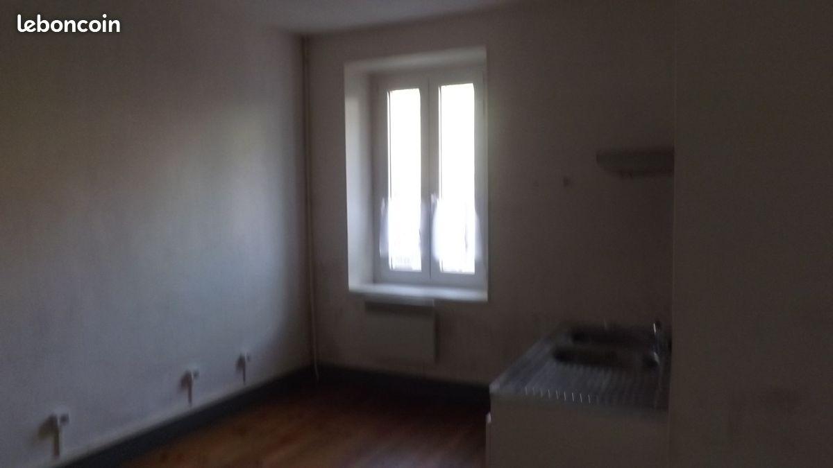 Appartement grand 2 péices