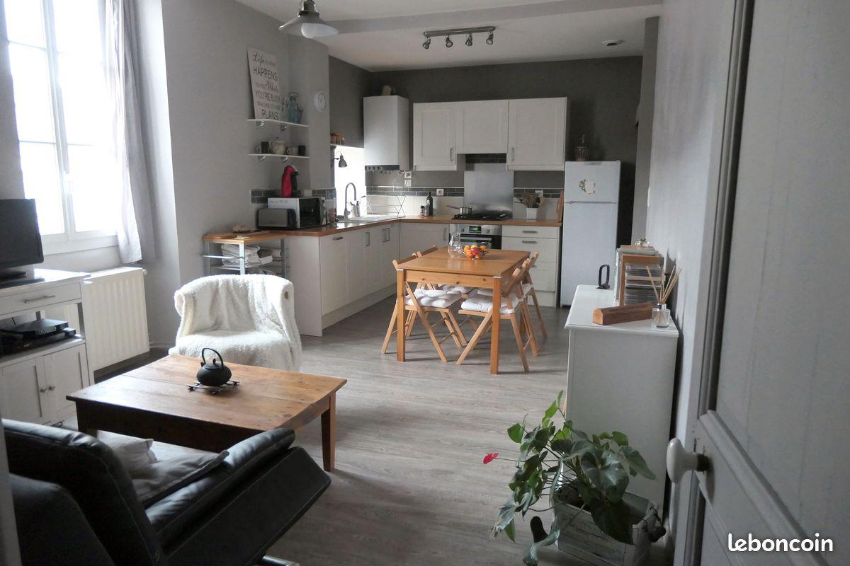 Appartement lumineux 64m² - centre de Foix