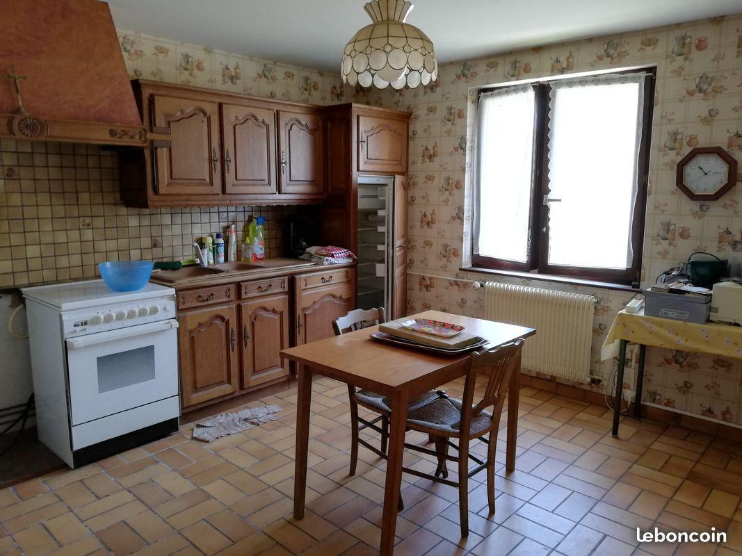 Maison de 220 m2 et dépendance de 150 m2