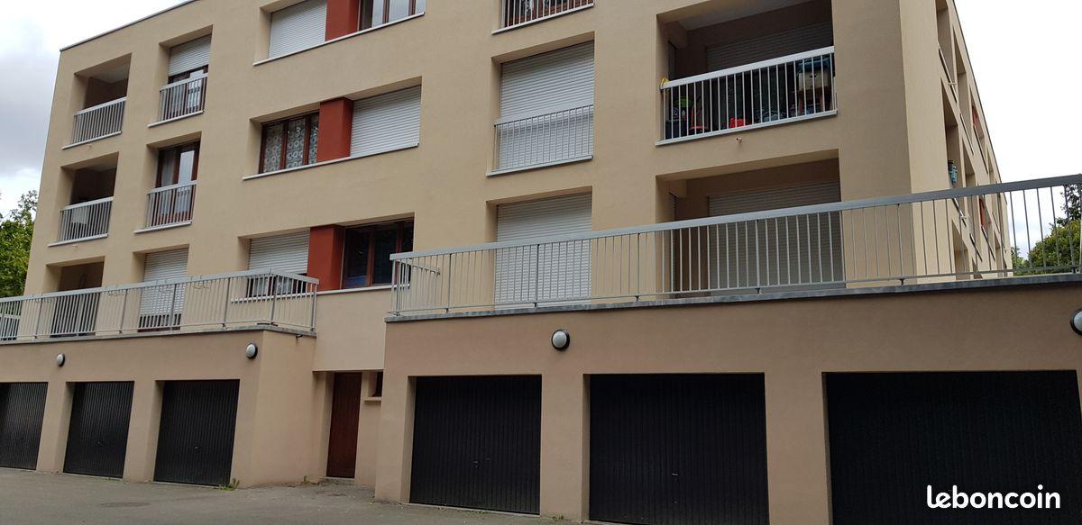 Appartement 114 m2 avec garage dans espace boisé