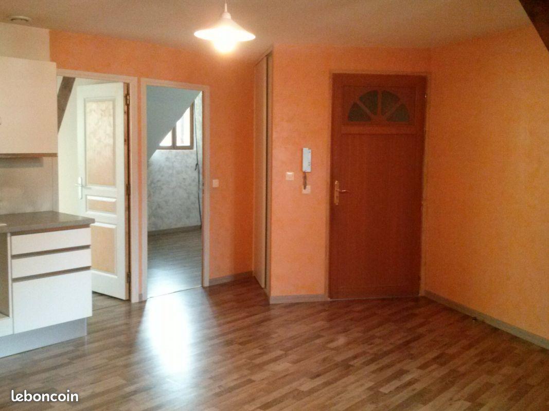 Appartement f2 centre rosieres en santerre