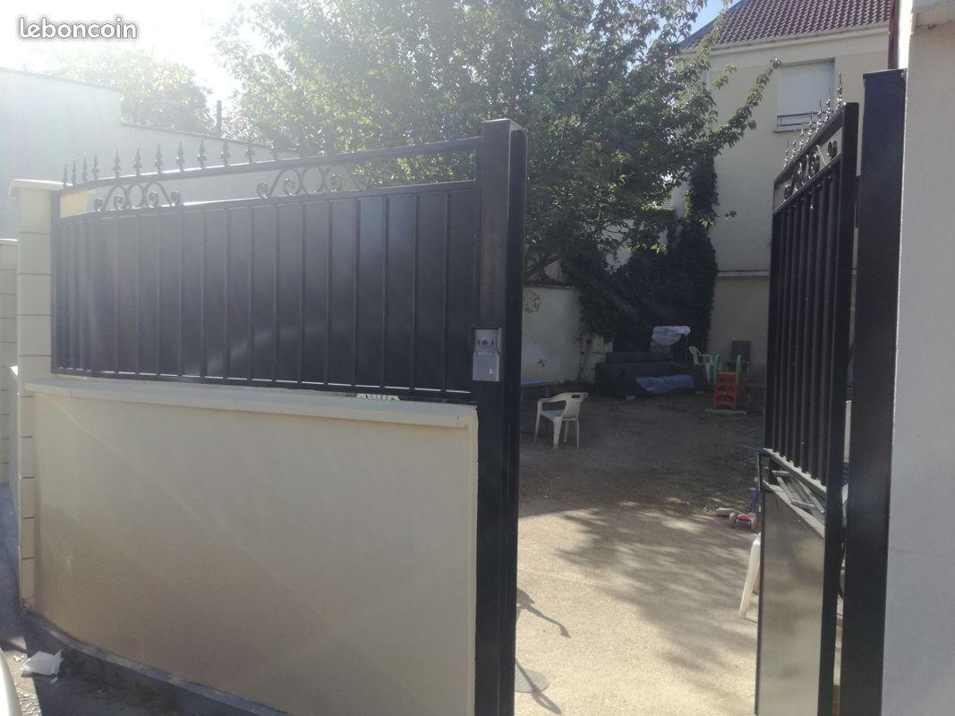 Maison avec jardin dans résidence privée