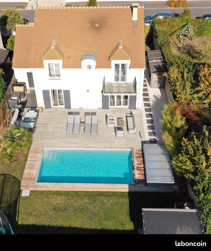 Maison récente avec piscine chauffée