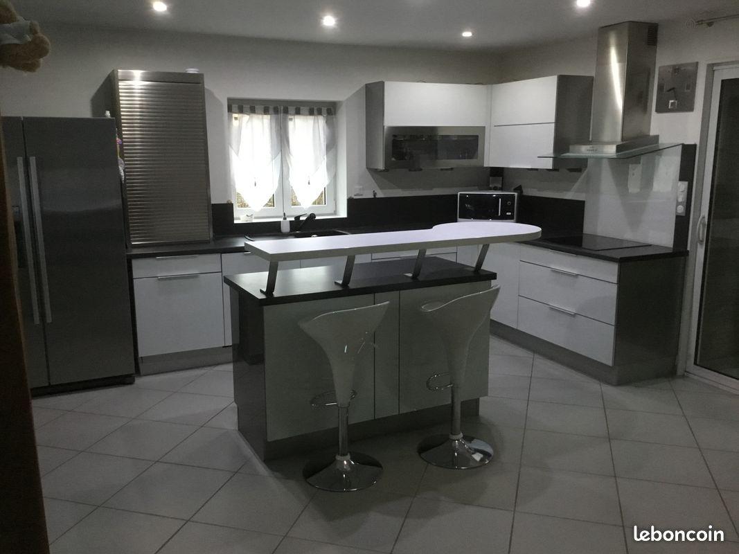 Grand et beau duplex COLOMBIER-SAUGNIEU