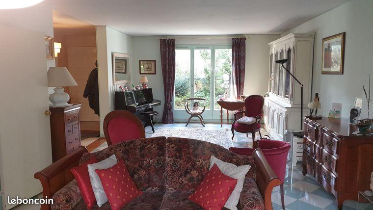 Maison 7 pièces 170 m² Voisins le Bretonneux