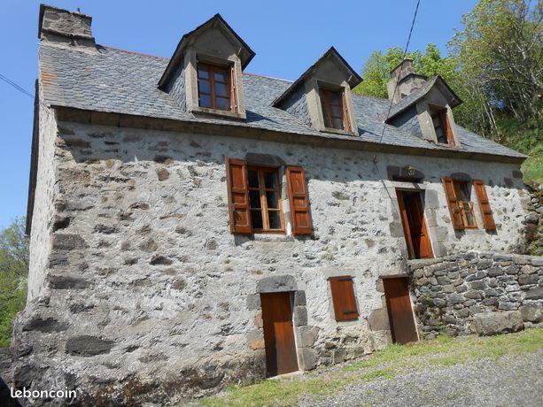 Maison résidence secondaire à proximité de la citée médiévale de SALERS 15