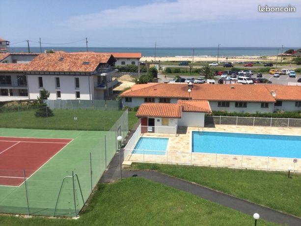 BIDART, face plage Uhabia, tennis & piscine