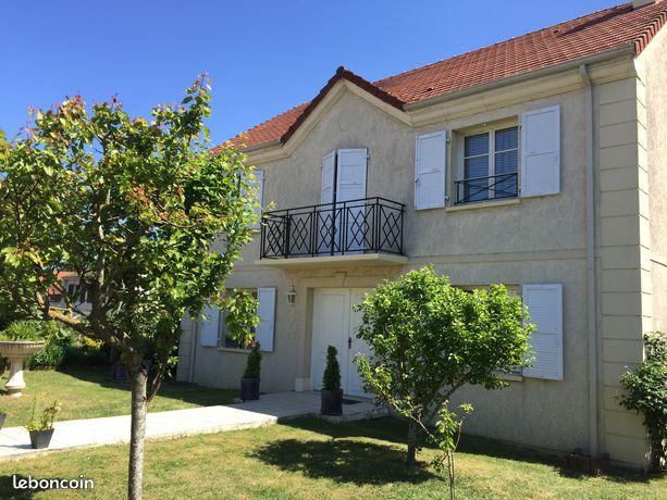 Maison 195m2 Magny-les-Hameaux (78114)