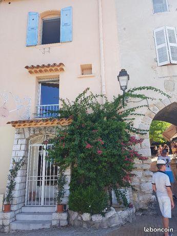 Appartement dans village médiéval