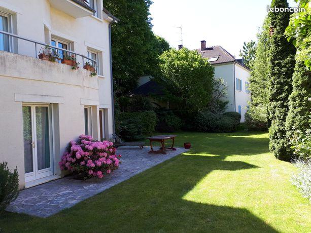 Maison centre de Jouy en Josas78350, 210m2 5 chambres