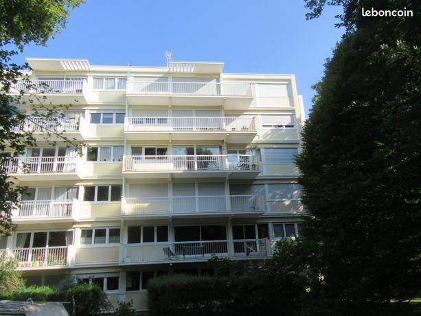 Appartement 5 pièces, 98 m², au 4ème et dernier étage au Plessis-Robinson
