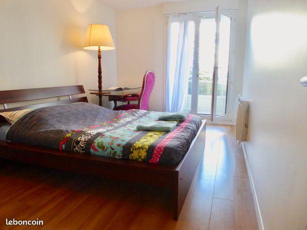 Superbe et spacieux appartement à 2 pas de la Défense, accès direct Paris