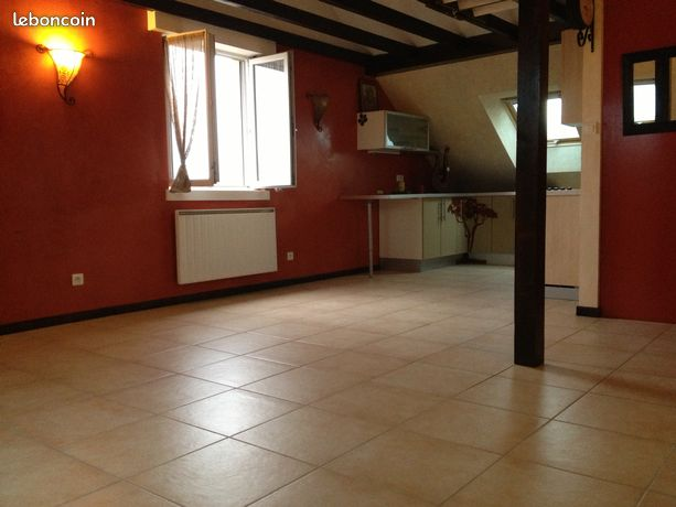 Appartement F2 proche axes autoroutiers