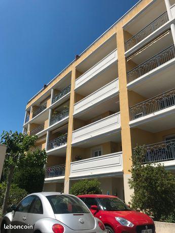 Studio résidence standing balcon parking ascenseur