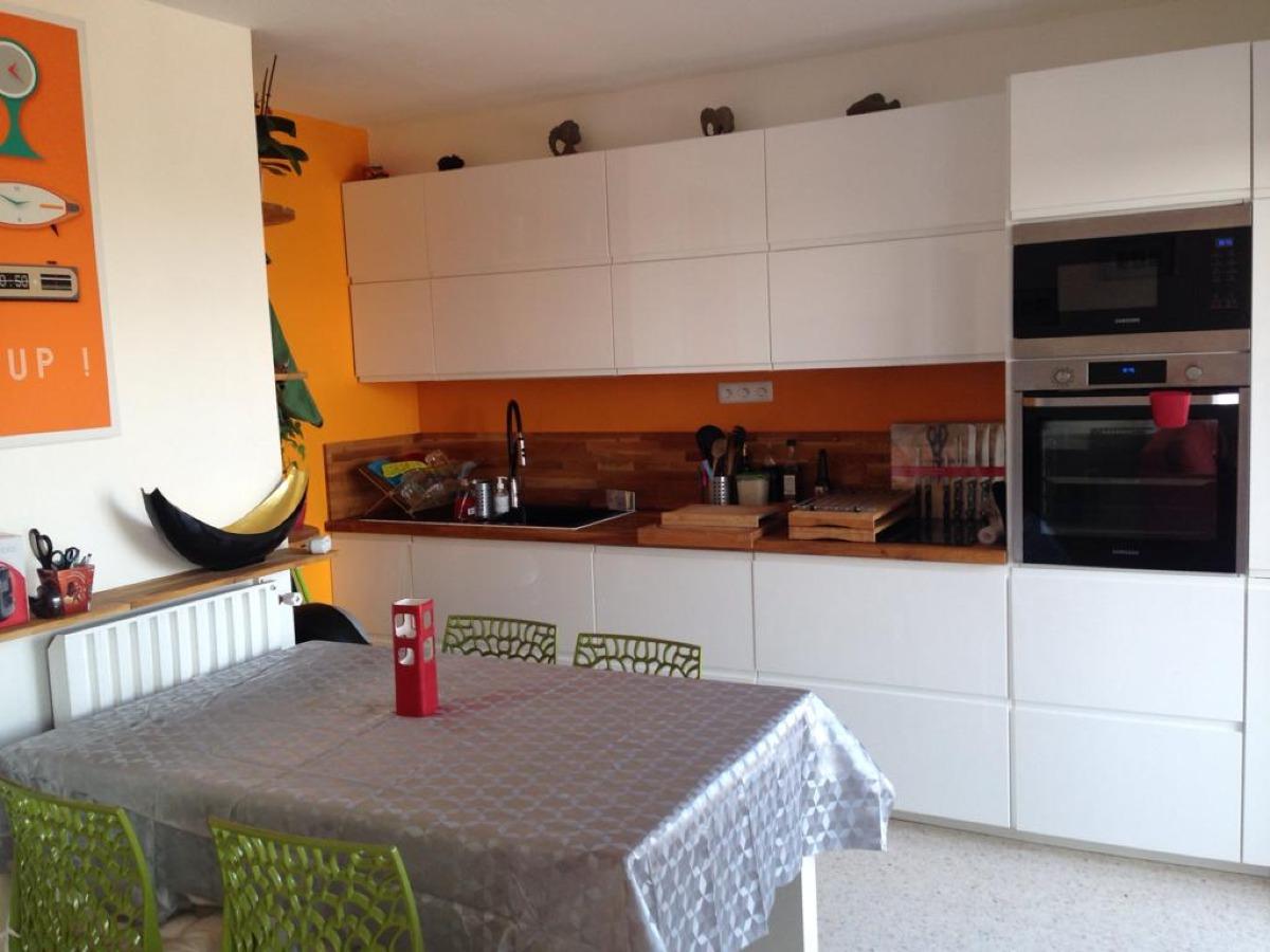 Appartement rénové entièrement meublé proche toutes commodités