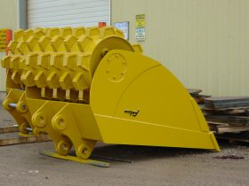 Felco Roller Compaction Bucket 24x74 Cap 1.0 Cubic Yard 234658
