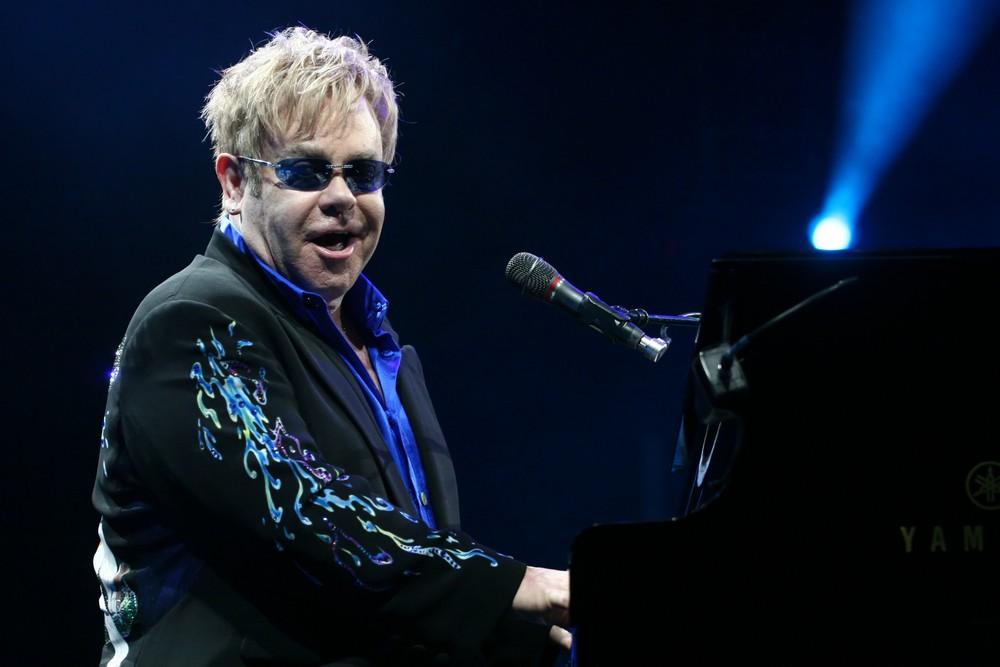 """Elton John: """"Travel Safe, Mum"""""""