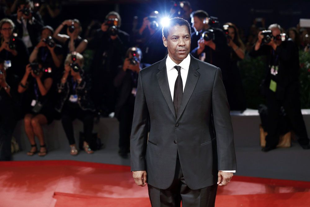 "Denzel Washington Hails His ""Go-Getter"" Solo Mom"