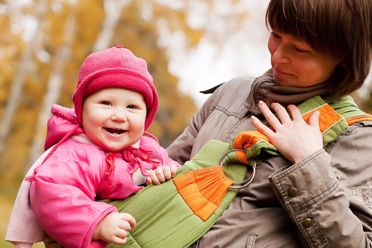 10 Reasons Solo Moms Should Babywear