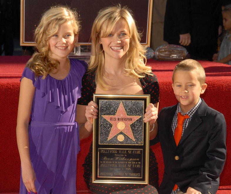 Reese Witherspoon: Support No Matter What