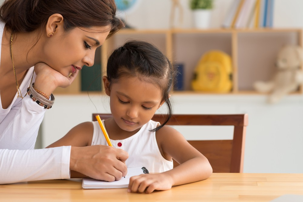 Top 10 Homework Tips for Solo Moms