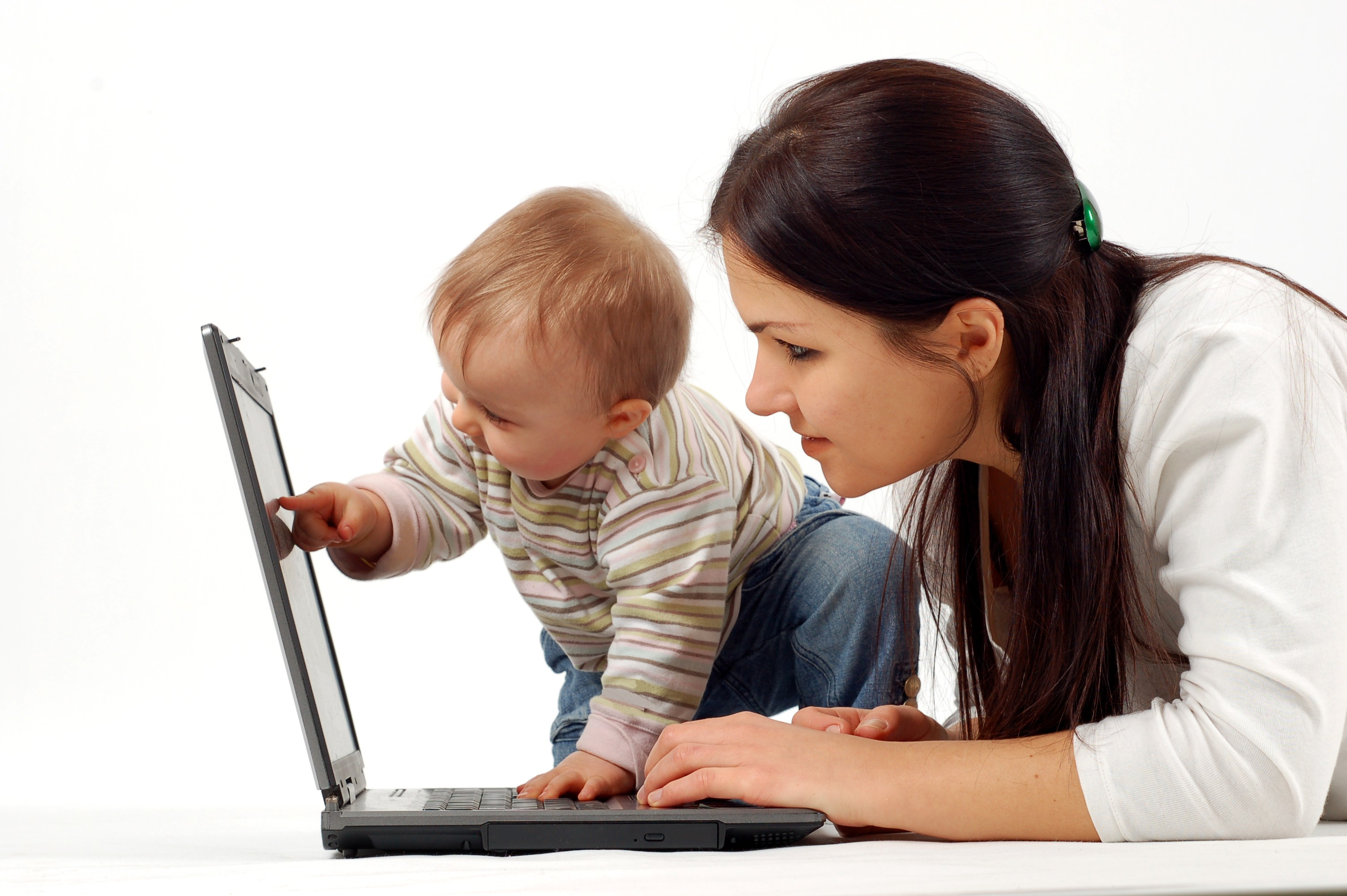 Sittercity and UrbanSitter: Resources for Solo Moms to Find Easy Child Care