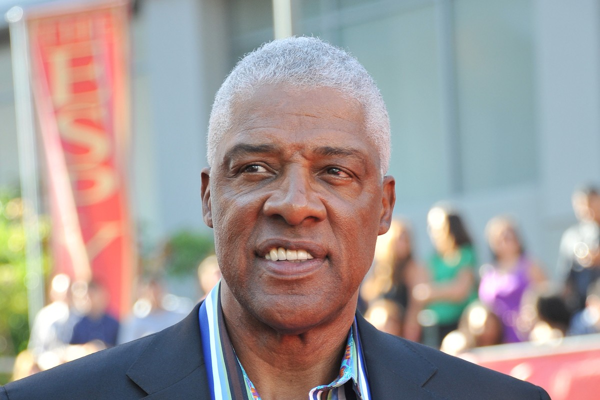 Julius Erving: The Man Who Changed Basketball