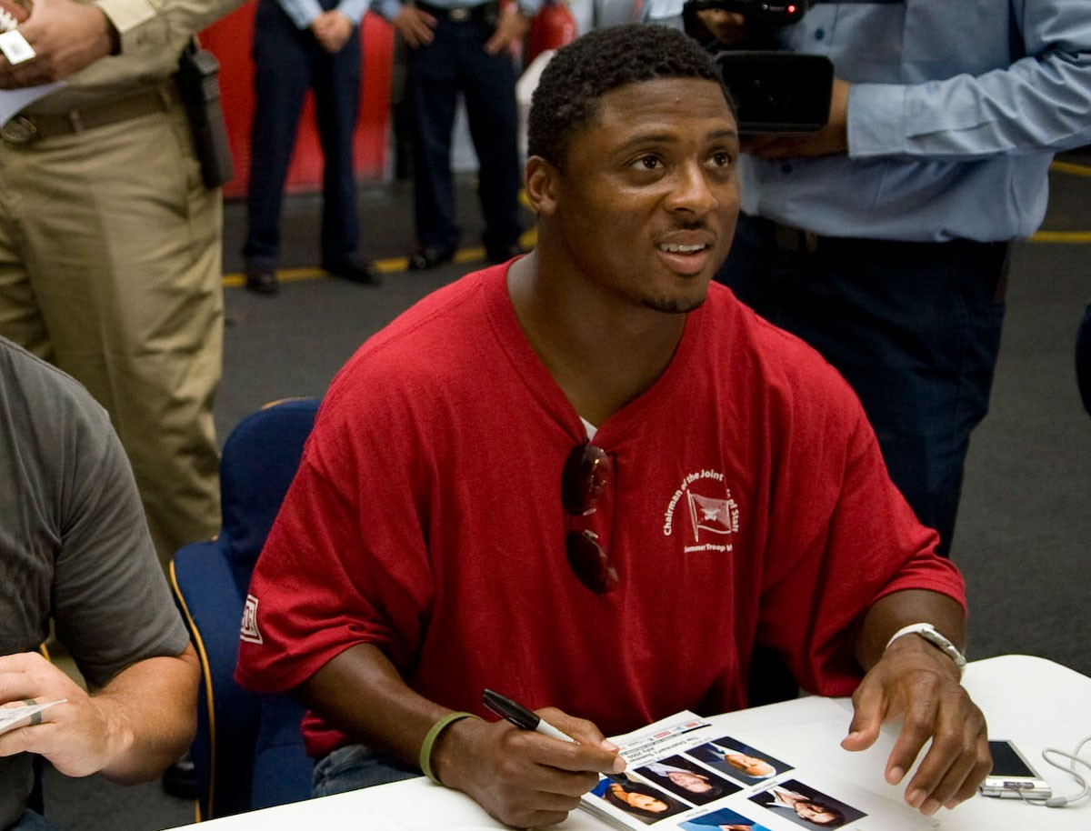 Warrick Dunn: Helping Single Parents Own Homes