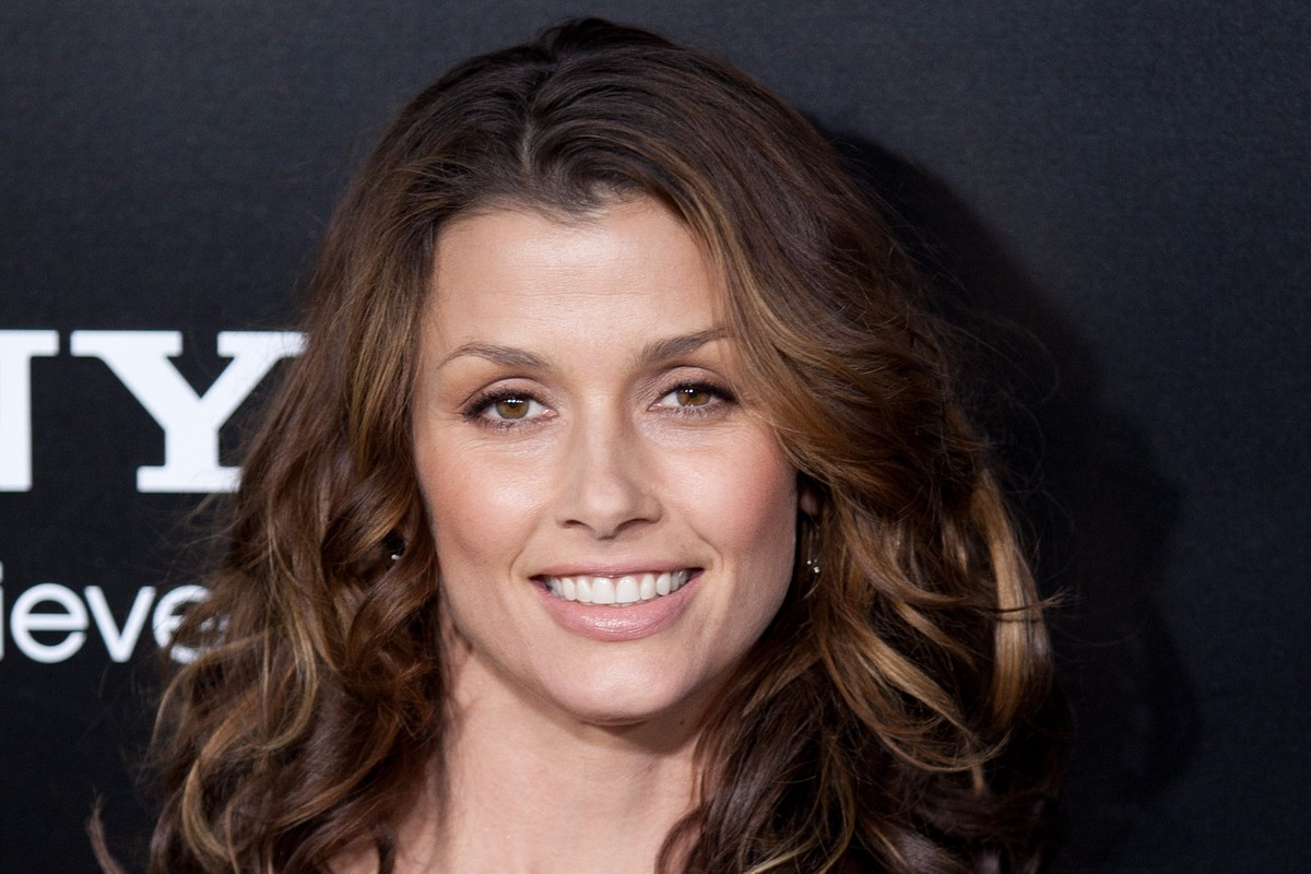 "Bridget Moynahan: ""Surrounded by Love"""