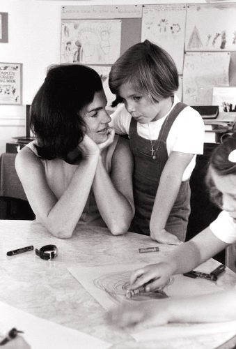Jackie O: A First Lady and a Solo Mom