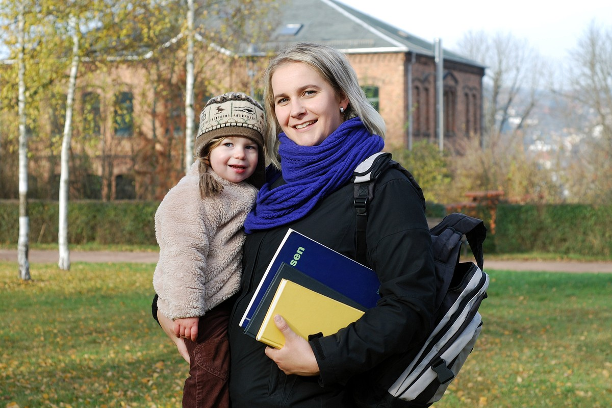 The 20 Best Colleges for Solo Moms