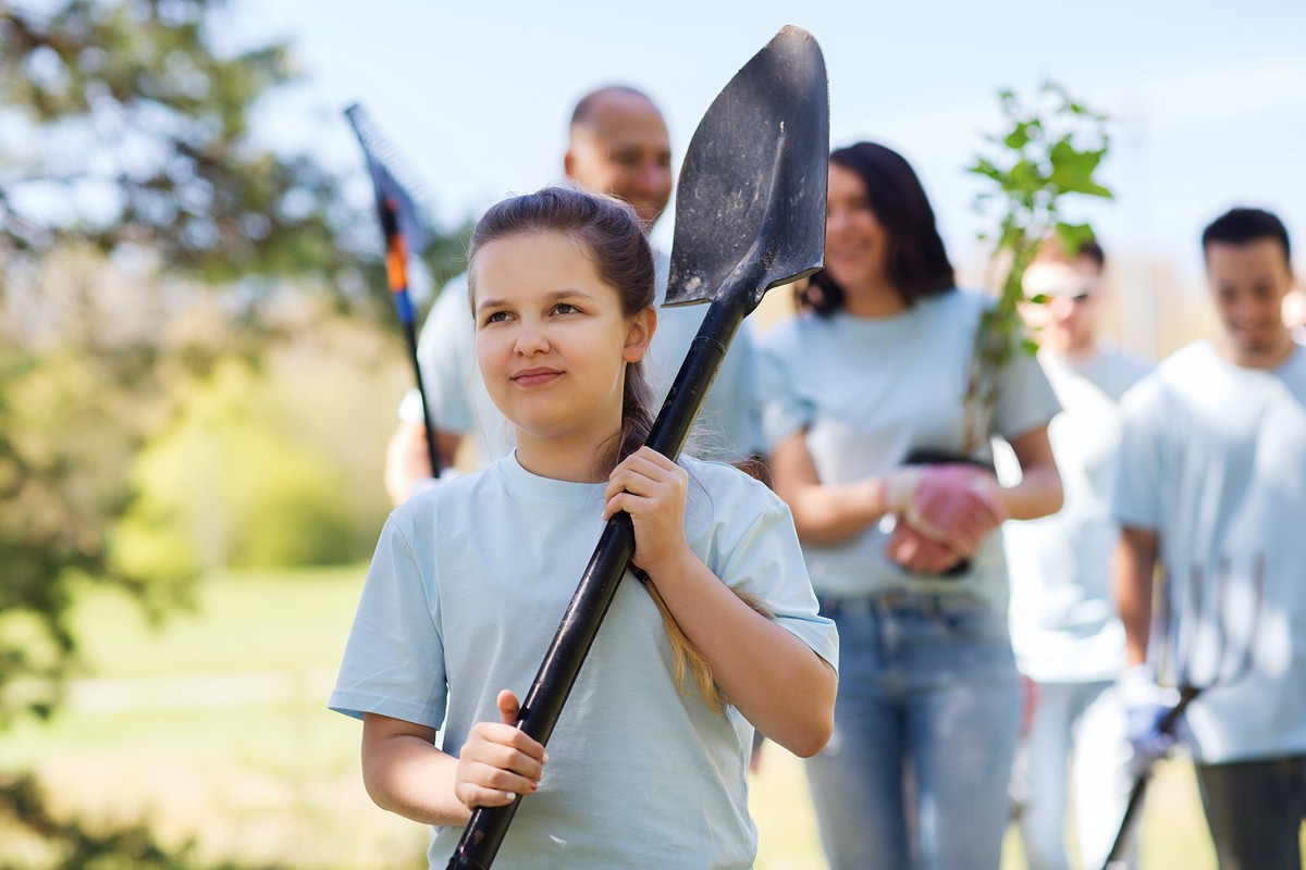 Why You Need to Involve Your Children in Donating and Charity Work