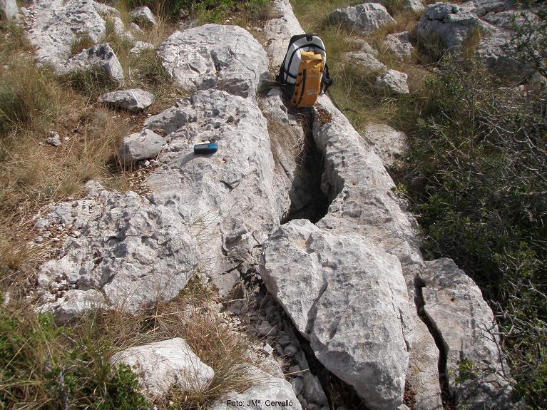 foto Avenc Sm-6 del Serrat de la Morella